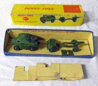 DINKY TOYS 697 - 25-POUNDER FIELD GUN SET.