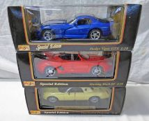 THREE MAISTO 1:18 SCALE MODEL CARS INCLUDING DODGE VIPER GTS TOGETHER WITH MUSTANG MACH 111 AND
