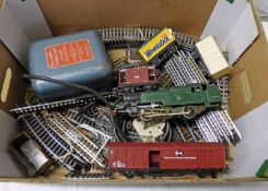 TRIANG 0-6-0 BR GREEN 82004 LOCOMOTIVE TOGETHER WITH CONTROLLER,