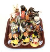 A group Beswick pig and cat band models (13)