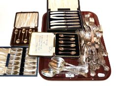 Six various silver plated cased sets of flatware together with various plated flatwares etc (qty)
