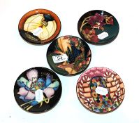 Five Moorcroft miniature dishes, various (5). Three dishes with surface