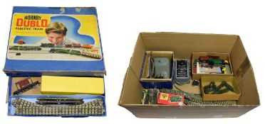 Hornby Dublo 3 Rail Tank Goods Set with 0-6-2T BR 69567 locomotive and wagons (G box F) together
