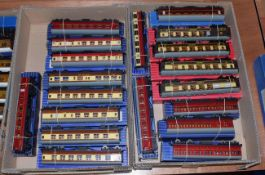 Hornby Dublo 3/2-Rail Coaches including five BR(W), four Pullman, three suburban and others (