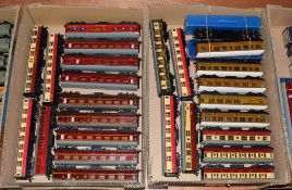 Hornby Dublo 3/2-Rail Coaches including six LNER (two boxed), five LMS and fifteen others (generally