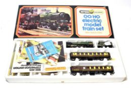 Wrenn OO Gauge Set 3 Pullman consisting of Dorchester BR 34042 locomotive and two Pullman coaches (
