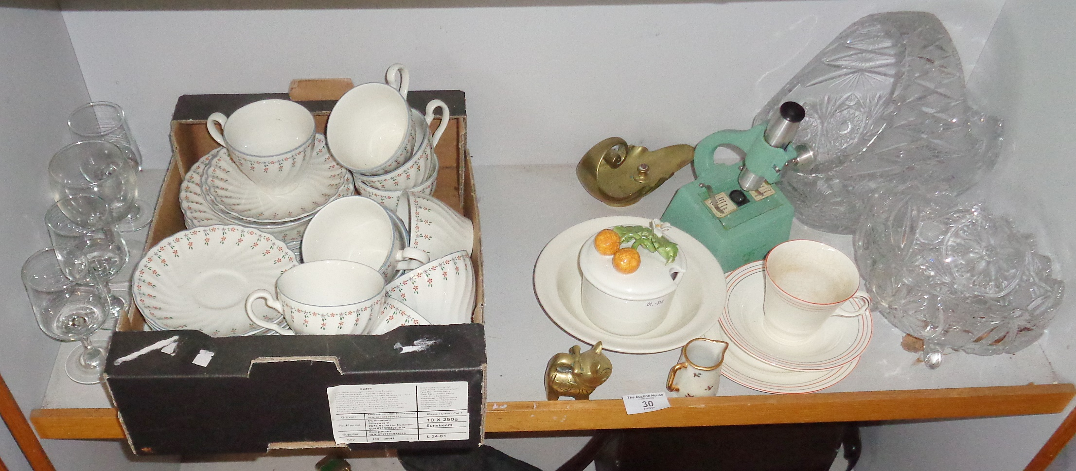 Lot 30 - Shelf of assorted china and other items