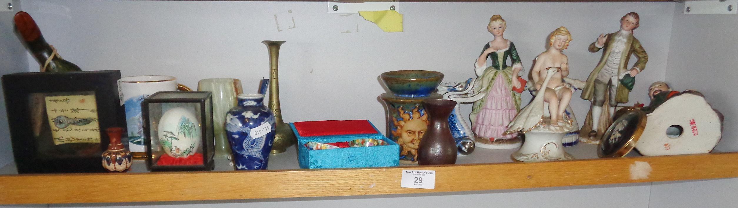 Lot 29 - Assorted china ornaments, inc. Oriental