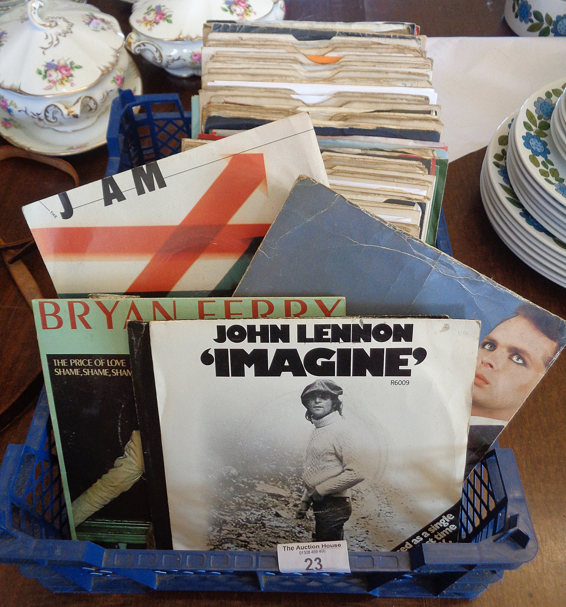 Lot 23 - Approx. 120 vinyl singles, 1970's pop and rock, some picture sleeves