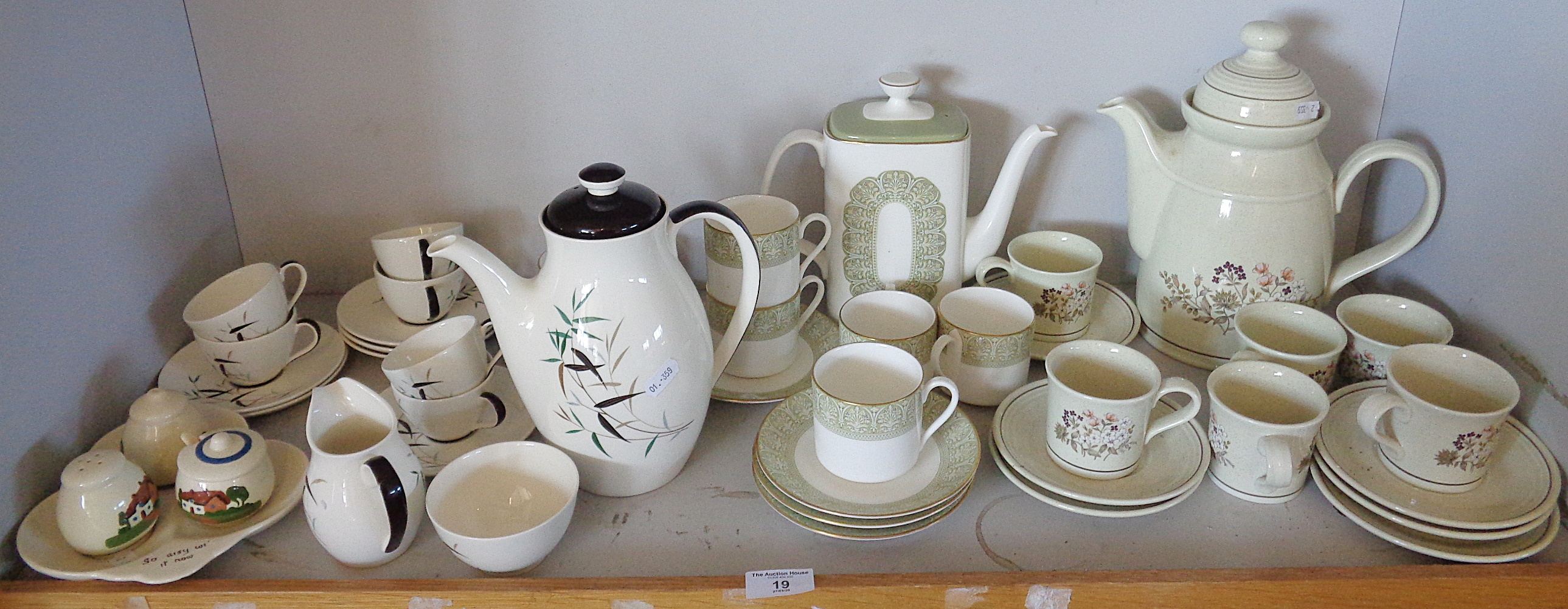 "Lot 19 - Royal Doulton ""Bamboo"" pattern tea set, together with a Royal Doulton ""Sonnet"" china tea set and a"