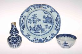 Chinese blue and white plate, double gourd vase and tea bowl (3).