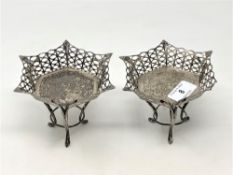 A pair of Edwardian pierced silver sweetmeat stands, Goldsmiths & Silversmiths, Birmingham 1905,