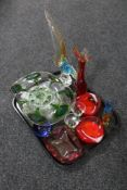 A tray of twentieth century coloured glass, Venetian glass cockerel,