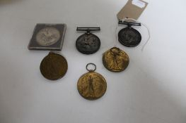 A silver crown 1821 together with five WWI medals comprising three British War Medals and two
