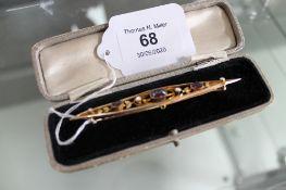 A Victorian almandine garnet and pearl brooch CONDITION REPORT: 5.4g.