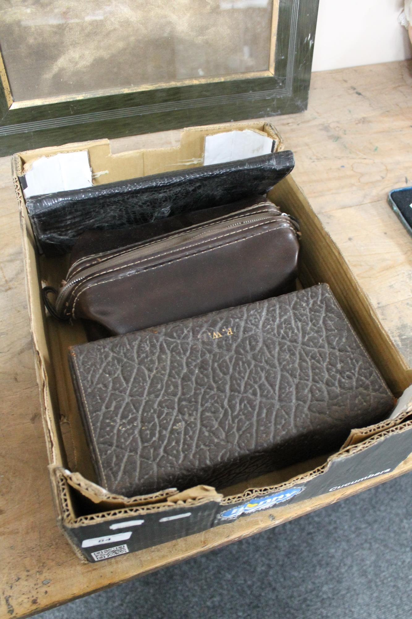 Lot 84 - A box of vintage lady's Italian leather purse,