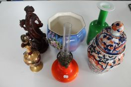 A tray of Imari patterned lidded jar, glass oil lamp,