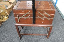 A concertina sewing box