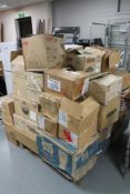 A very large quantity of pub glasses on pallet