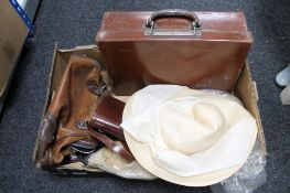 A box of leather luggage case,