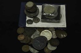 A collection of coins to include - 1797 cart wheel penny, £2 coins, commemorative crown,