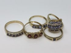 Five various gold rings, two diamond set (5) CONDITION REPORT: 10.3g.