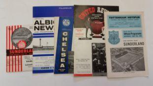 FOOTBALL, Sunderland, home and away programmes, 1964/5, inc. league matches (39), missing Villa,