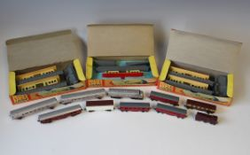 A good collection of Lone Star gauge OOO diecast British and American locomotives, tenders, coaches,