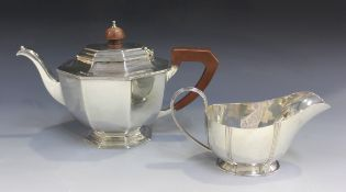 A George VI silver octagonal teapot, Sheffield 1939 by Mappin & Webb, length 27cm, together with a
