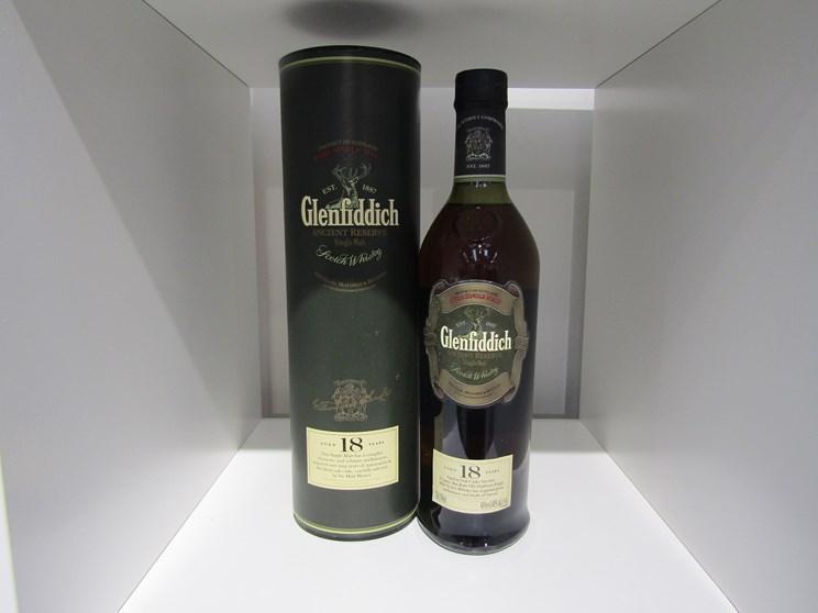 Lot 7023 - Glenfiddich Ancient Reserve 18 years Old Single Malt Scotch Whisky,
