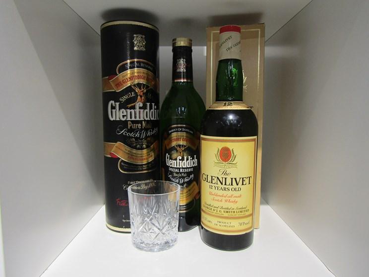 Lot 7019 - The Glenlivet 12 years Old Highland Malt Scotch Whisky 26 2/3 fl ozs,