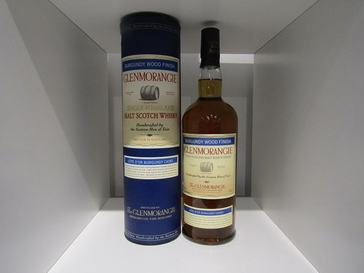 Lot 7022 - Glenmorangie Cote d'or Burgundy Wood Finish Single Highland Malt Scotch Whisky,