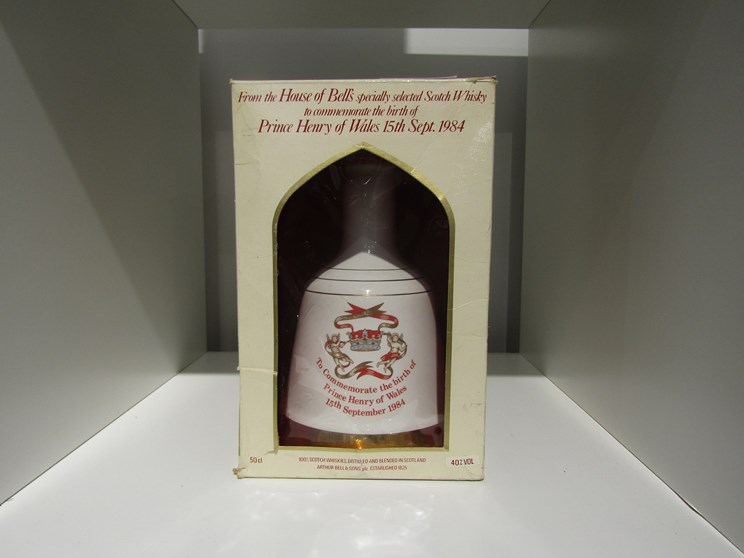 Lot 7037 - Bell's Whisky decanter To Commemorate the birth of Prince Henry of Wales