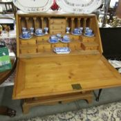 A pine bureau.