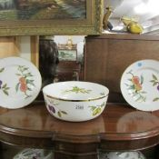 Approximately 23 pieces of Royal Worcester table ware including large bowl, tureens, plates etc.