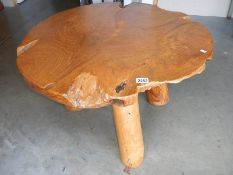 A heavy teak table. # Collect only ****Condition report**** Top diameter approx.