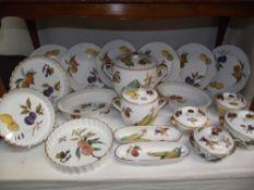 A good lot of Royal Worcester 'Evesham' dinner/kitchen ware