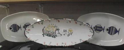 3 decorative fish plates.