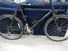 A gent's Raleigh bicycle.