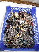 A tray of assorted costume jewellery.
