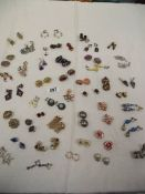 A mixed lot of vintage clip-on earrings.
