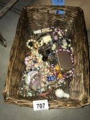 A tray of jewellery