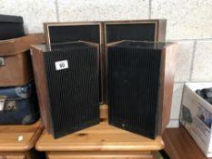 2 pairs of speakers
