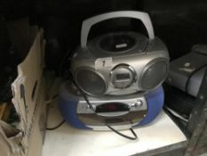 2 Radio/CD players