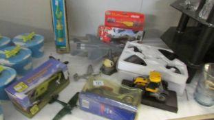 A mixed lot of model aircraft etc.
