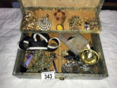 A jewellery box & contents