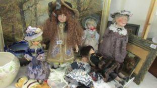 A mixed lot of dolls etc.