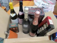 A small selection of wine, champagne & liqueur set etc.