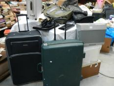 12 items of baggage including stainless steel case, wheeled cases etc.