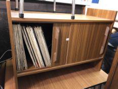 TEAK EFFECT SLIDING DOOR LP STORAGE CUPBOARD CONTAINING VINYL LPS